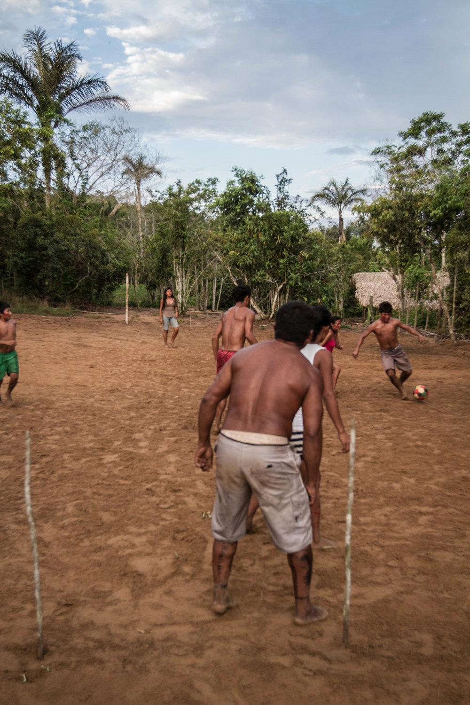 pedro bayeux tribe 8 play 16.jpg