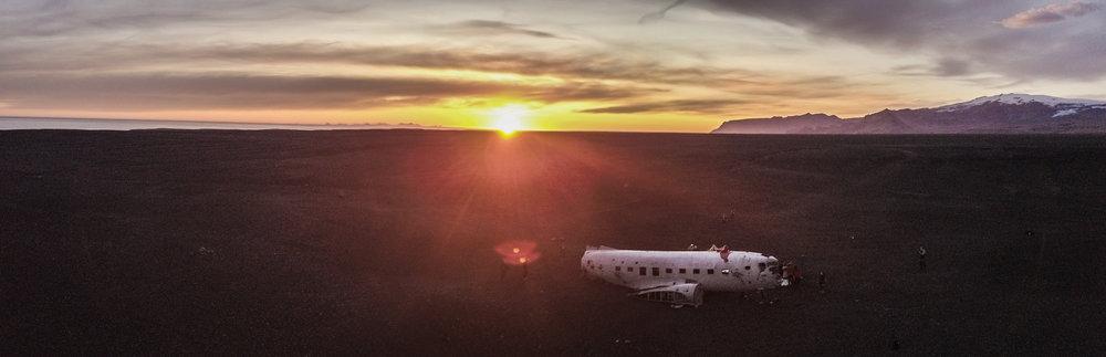Abandoned Plane - dc3 plane wreck (drone)