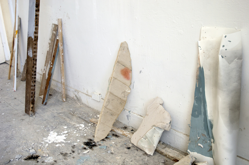 Atelier compositie, gips, beton, hout, papier, 40x40 cm, 2015, Maastricht, NL