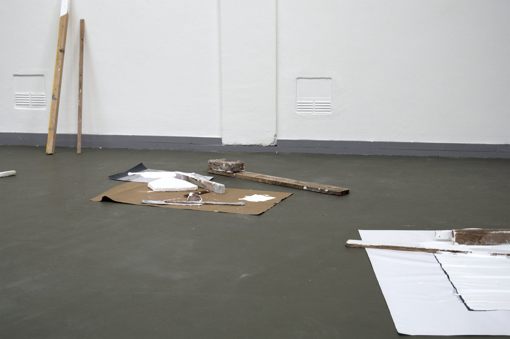 2016, Jan van Eyck, projectruimte, land made, hout, zeefdrukken, gips, veldbrand, Maastricht, NL