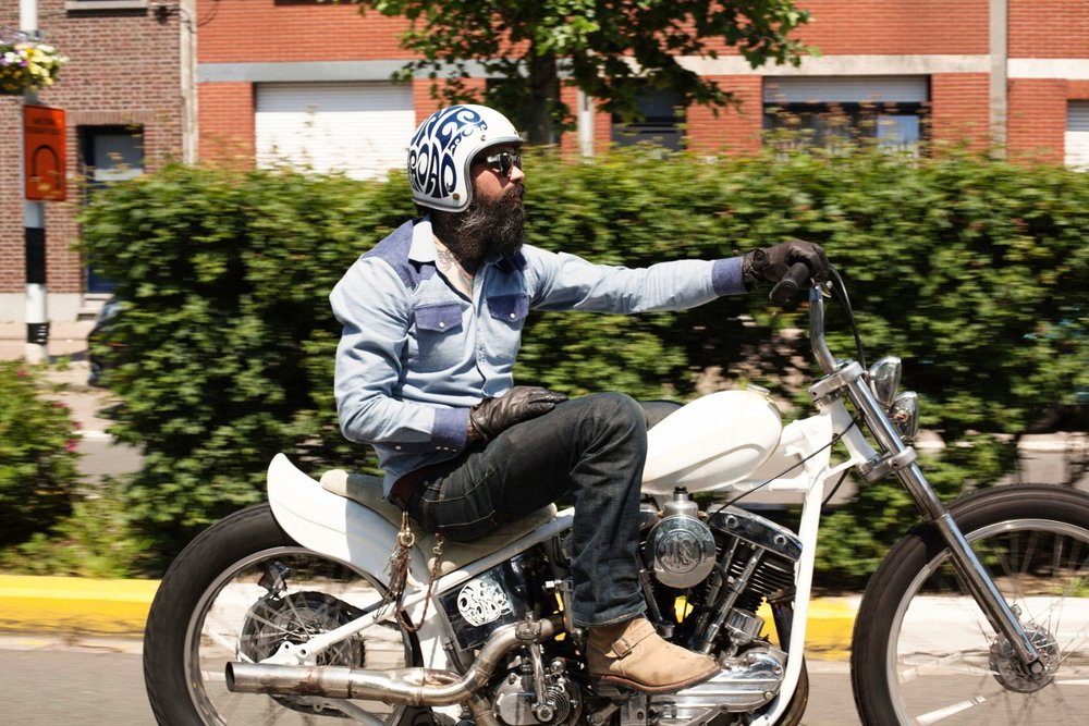 Keith from East Dust Clothing on his 1960s FLH Pan-Shovel