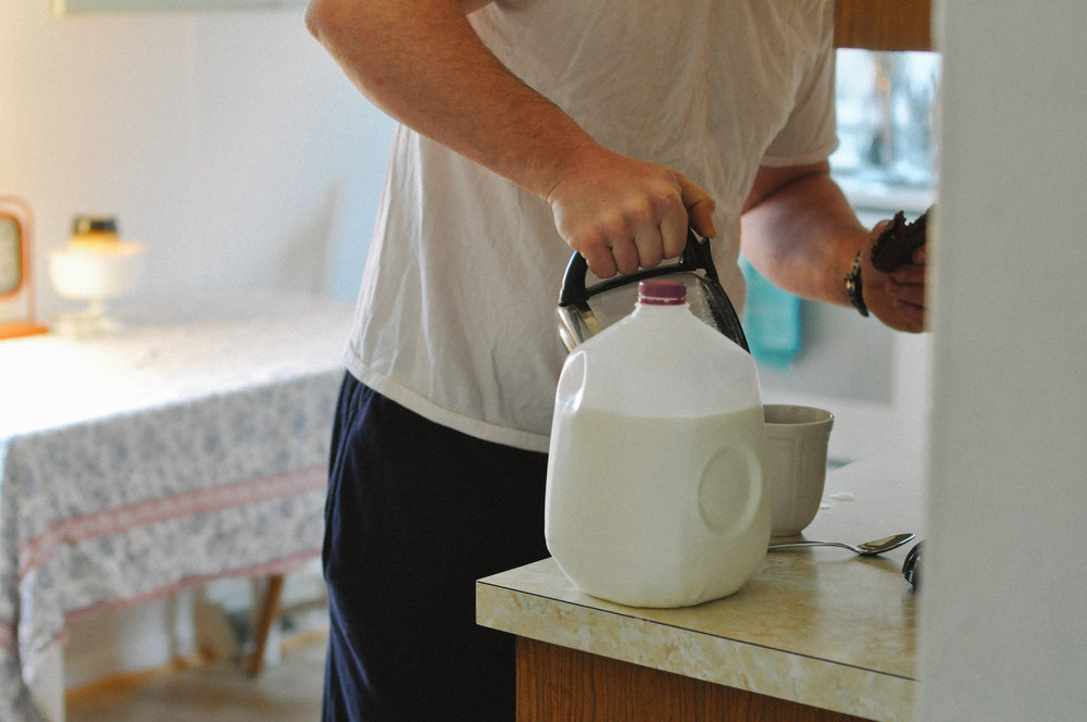 newly-wed-in-home-session-morning coffee making.jpg