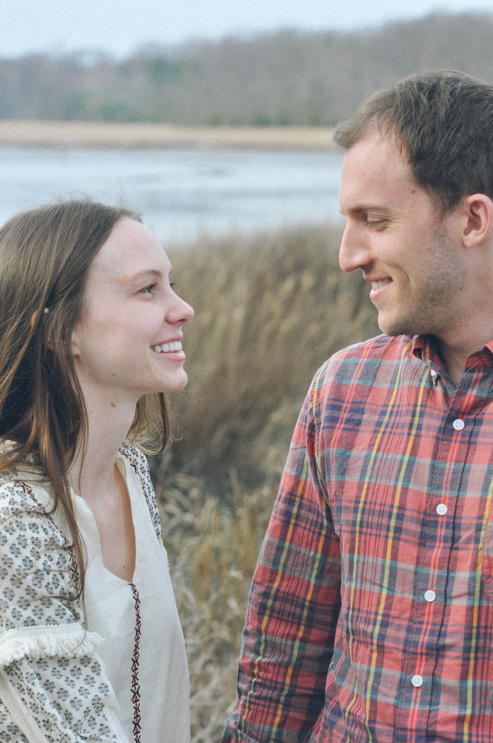 engagement-session-north-beach-chesapeake-beach looks.jpg