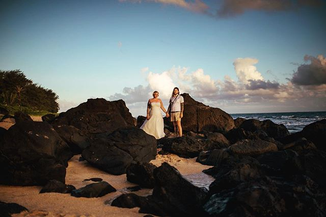 Dreaming of warm days on tropical islands. Are you planning a destination wedding? Let's talk 🤙🏼 Harrison & Carly's wedding day in Kauai was an absolute dream 🌈  #hawaiiweddingphotographer #islandlife #kauaiphotographer