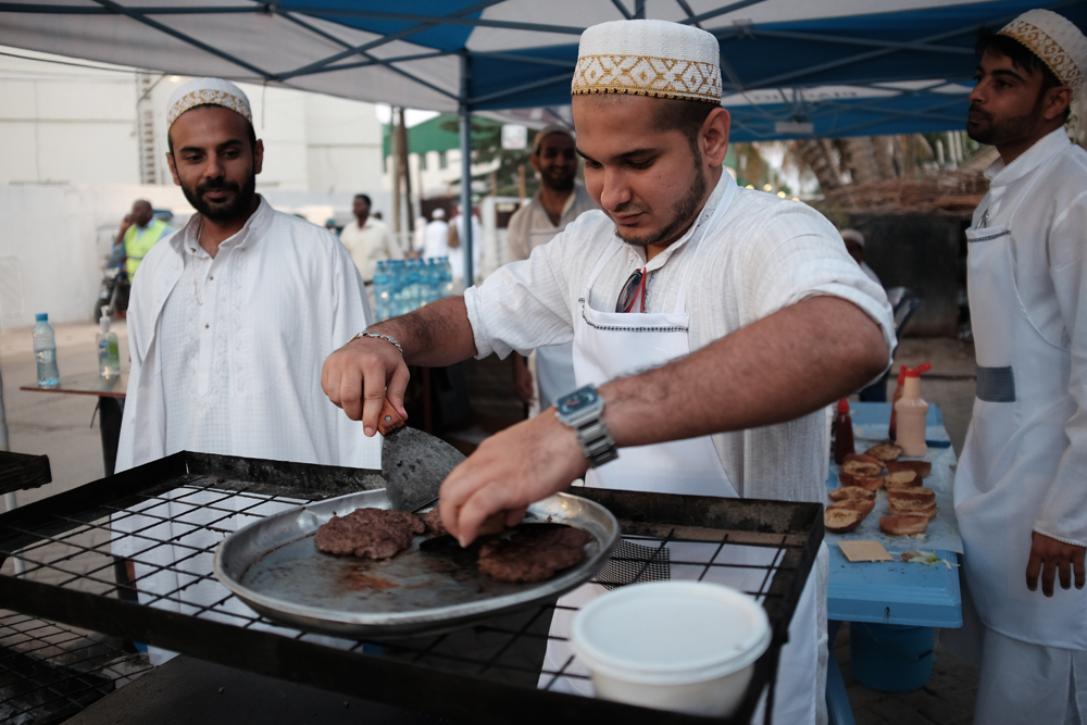 Flipping Burgers, The Bohra Community