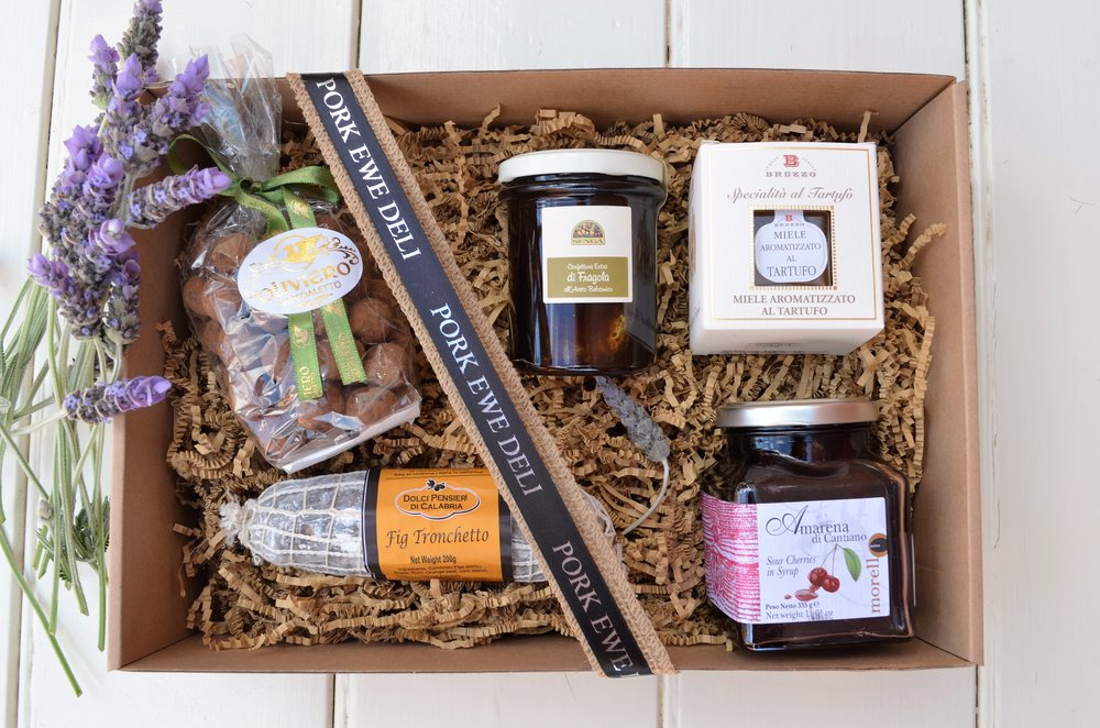 Cheese Lovers Accompaniment Hamper $95.00