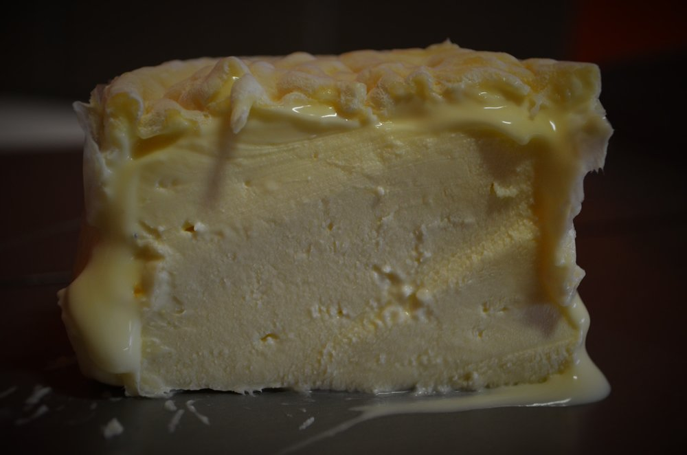 Mixed milk robiola.jpg