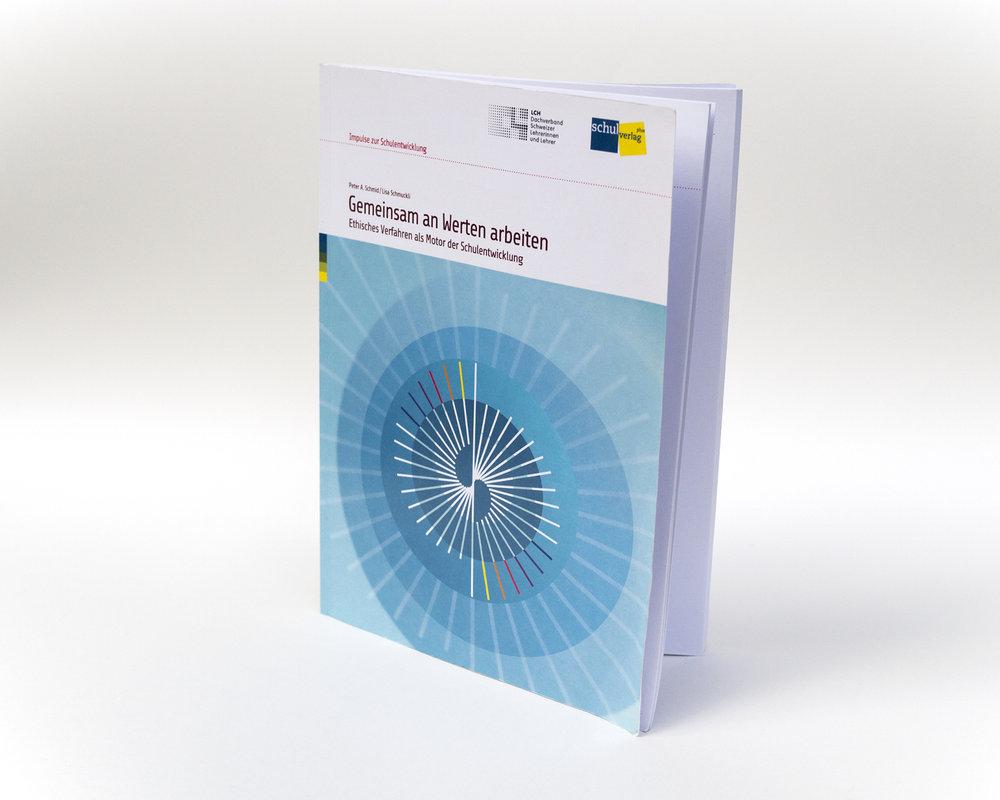 Gemeinsam an Werten arbeiten  Ethisches Verfahren als Motor der Schulentwicklung  (gemeinsam mit Peter A. Schmid),Bern 2014