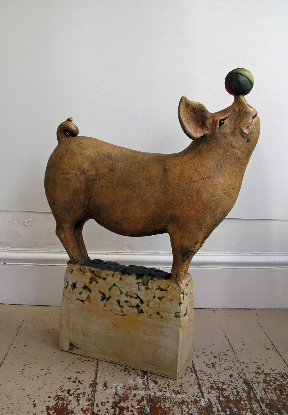 Pig with Ball