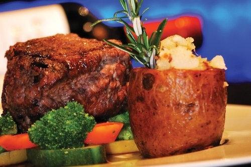 7 West Bar Restaurant Aruba Tenderloin