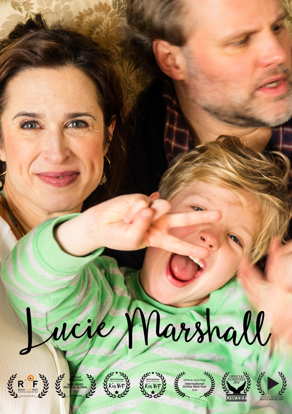 After a life of parties and many relationships, Lucie meets Marc, who becomes the father of their son Sam. Even though Lucie still feels like a 20-year-old, she has to cope with the daily challenges of a mother, which is not as easy as she hoped. Presented with English Subtitles