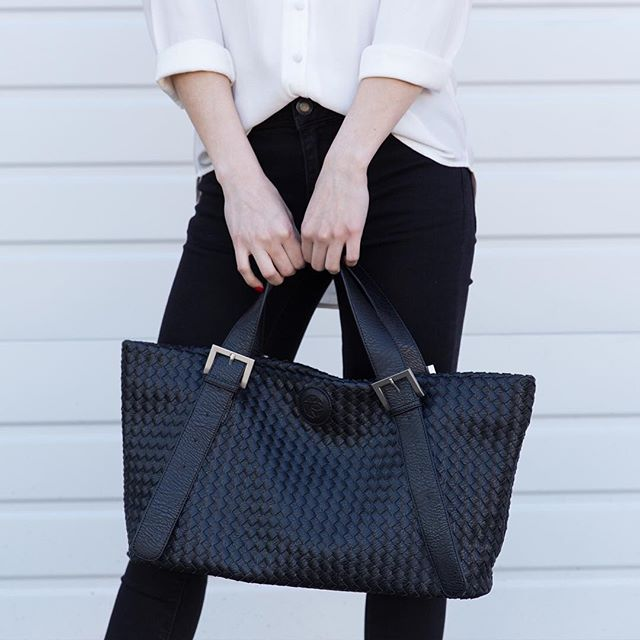 Many places to go, memories to make and people to meet. Our Melville Large Tote will become your favourite everyday bag. 👑 #melville #lorrainesui #designer #fashion #handbag #tote