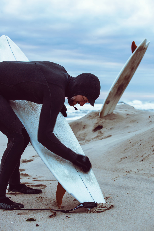 RE 3646-SURFER-SHAWN ZAPPO.JPG