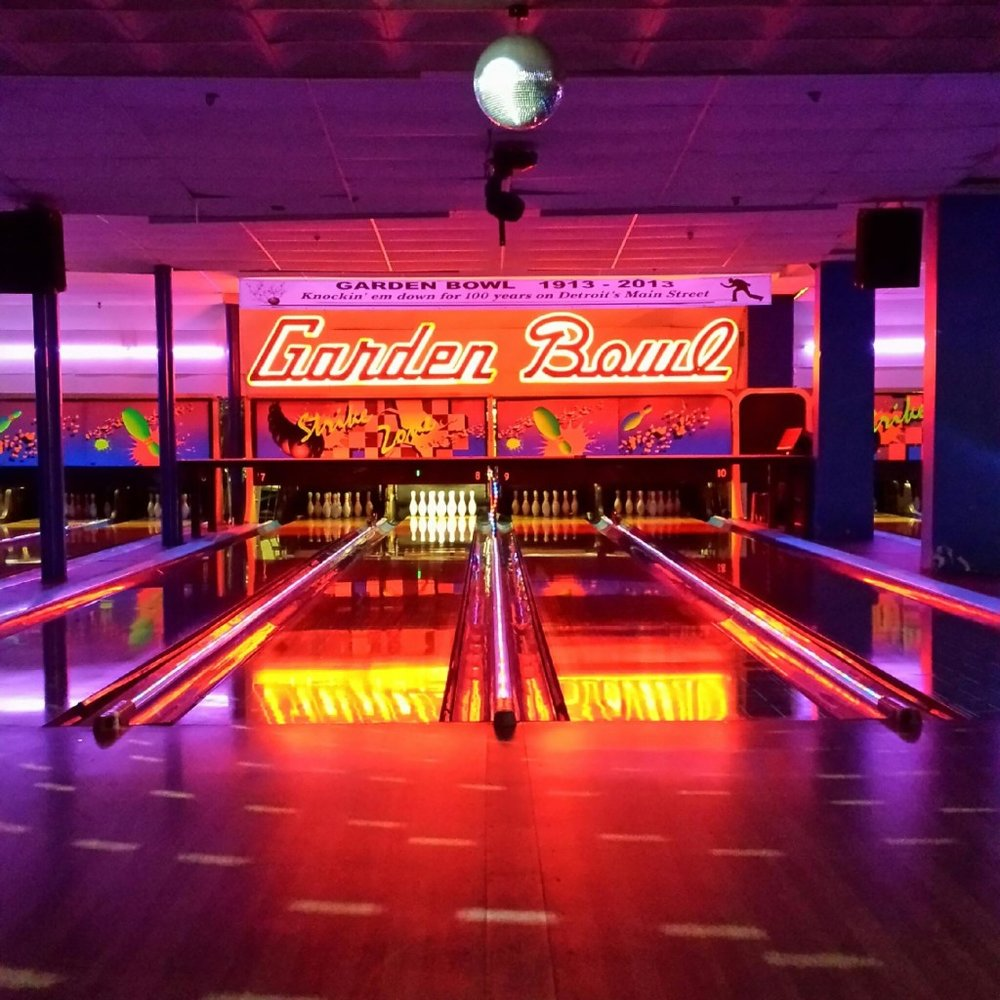 Garden Bowl  Midtown   The country's oldest, active bowling alley features live DJ's, karaoke on Sundays, bingo on Mondays, a pizzeria, cheap drinks and a music venue upstairs.     4140 Woodward 313.833.9700   Website