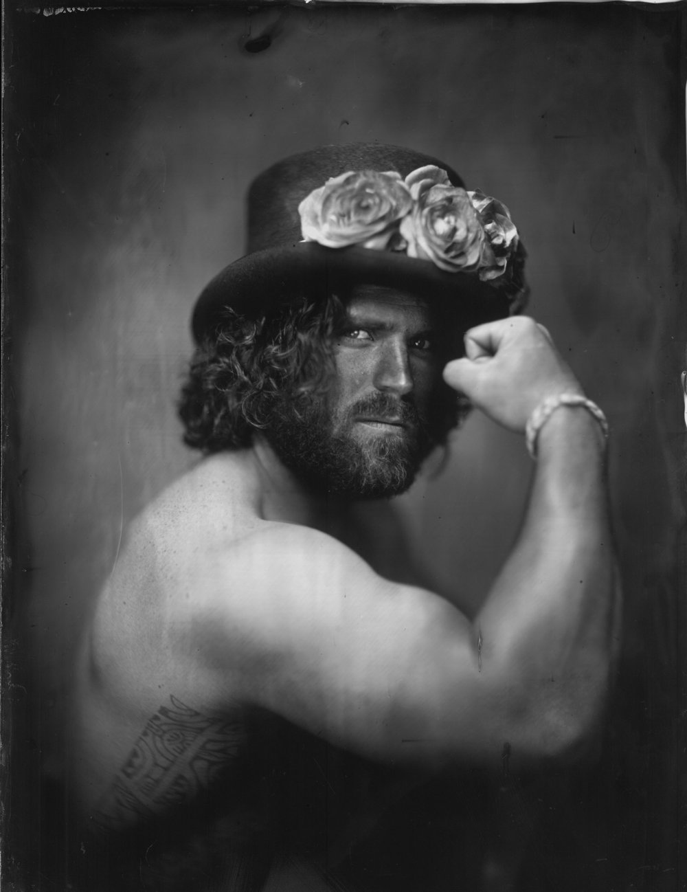 Flowers hat and associate - By: Wilfried Thomas  https://wilfriedthomascollodion.wordpress.com/