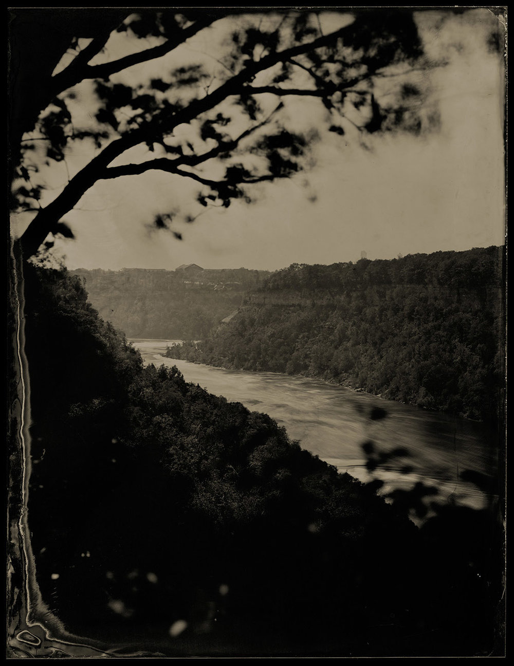 View from atop the Niagara Gorge, 2017 - By: Stephen Brule  www.stephenbrule.com