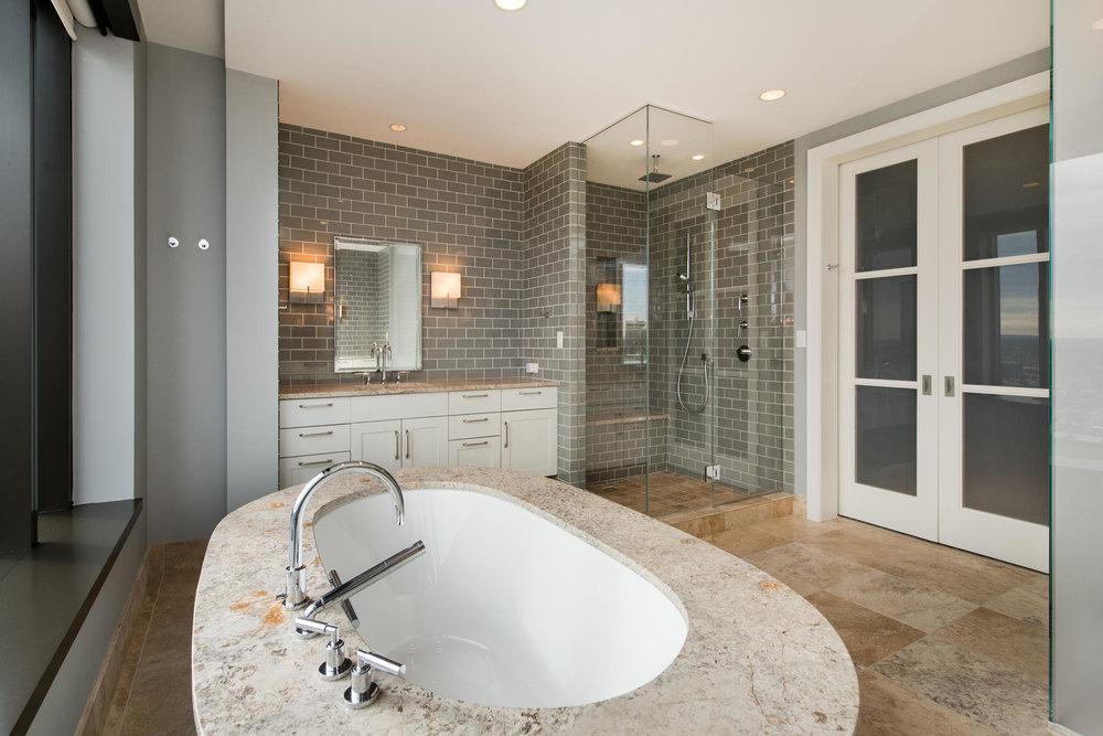1133 14th Street 4150-MLS_Size-032-46-Master Bath-1800x1200-72dpi.jpg