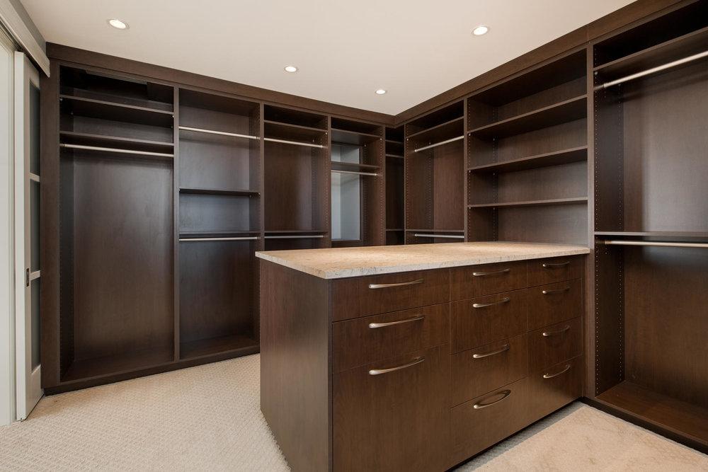 1133 14th Street 4150-MLS_Size-035-41-Master Closet-1800x1200-72dpi.jpg