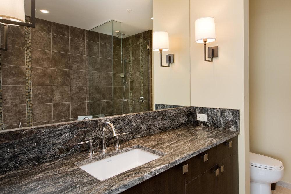 1133 14th Street 4150-MLS_Size-046-10-Full Bath-1800x1200-72dpi.jpg