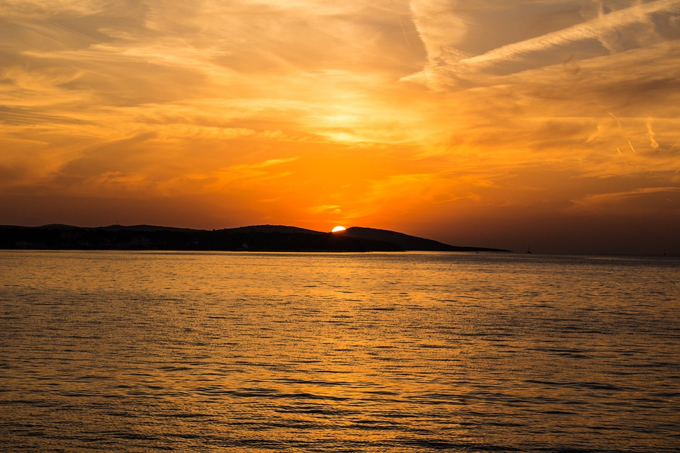 sunset-523912_960_720.jpg