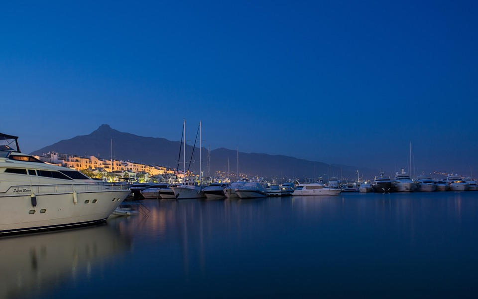 yachts- port marbella marina puerto banus.jpg