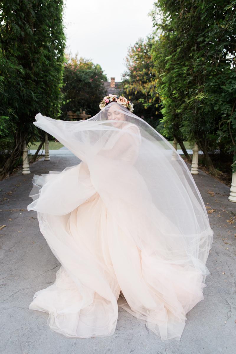 Carolynn Seibert Photography -- Lizzie's BridalsIMG_1483.JPG