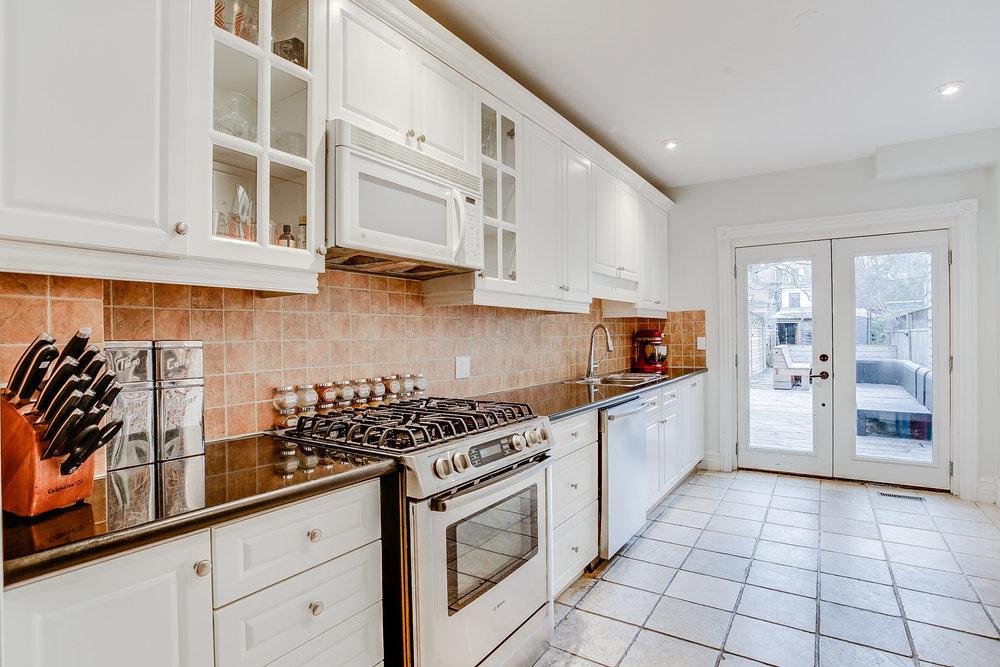 19_kitchen3.jpg