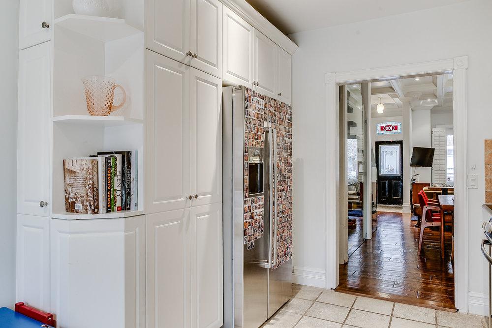 21_kitchen5.jpg