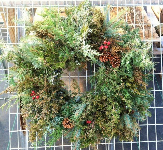 BEST CHRISTMAS WREATH.jpg