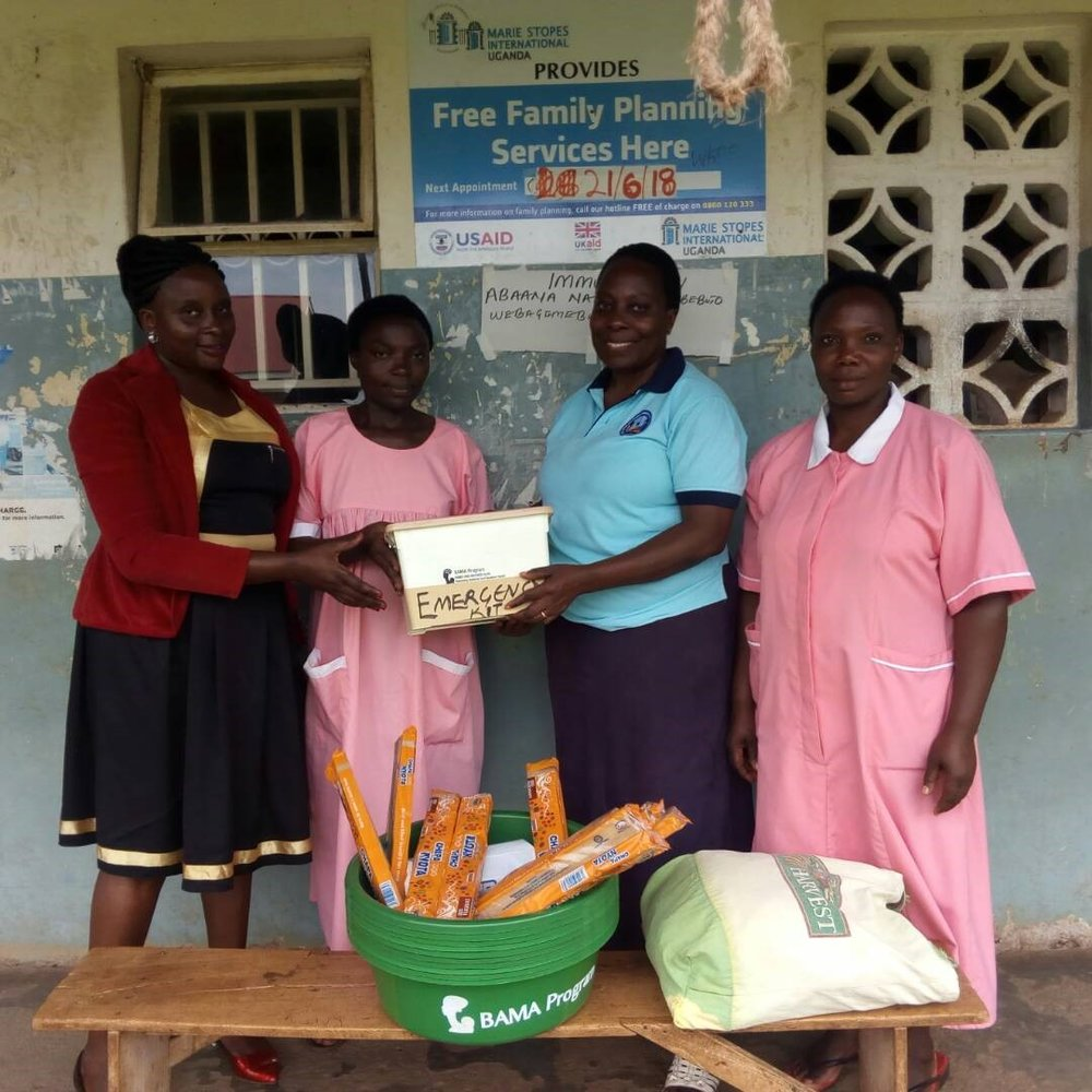 Midwives receive the emergency toolkit and incentives.