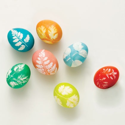 make-leaf-print-eggs-easter-craft-photo-420-FF0308EFDA17.jpg
