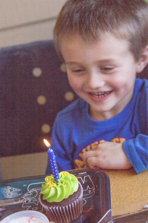 Isaac is 4 - Birthday Photos - Denton, TX