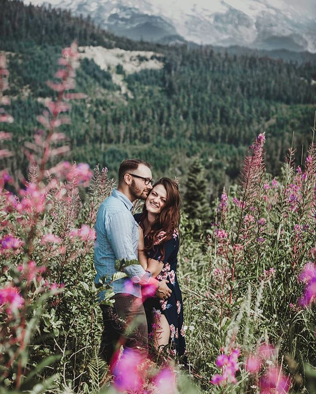Part of me misses the mountains and part of me is looking forward to Illinois getting over its seasonal identity crisis. I just want those cherry blossom trees to bloom baby 🌸 #illinoisphotographer #washingtonphotographer #chicagophotographer #chicagoweddingphotographer #chicagoengagementphotographer #mtrainier #cutecouples #junebugweddings #theknot #junebugweddingshuffpostido #midwest #weddingwire #theknot #modernbeings #theknot #flashesofdelight #marvelous_shots #discoverportrait #couplegoals  #wedding #happiness #junebugweddings #weddingplanning #engaged #risingtidesociety #featuremedd