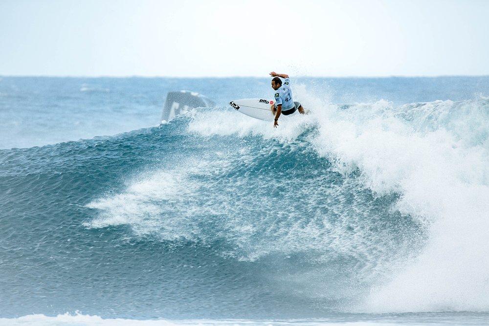 Travel Surf and Travel Lifestyle Photographer Kelee Bovelle @keleeb - Billabong Pipe Masters 2018 North Shore Oahu Hawaii_0002.jpg