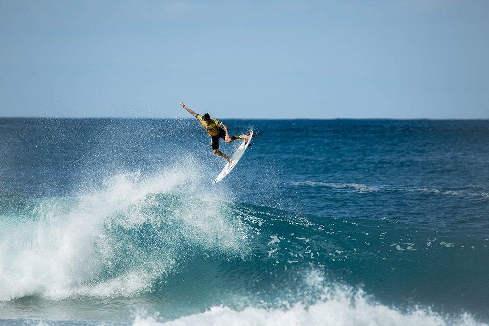 Travel Surf and Travel Lifestyle Photographer Kelee Bovelle @keleeb - Billabong Pipe Masters 2018 North Shore Oahu Hawaii_0017.jpg