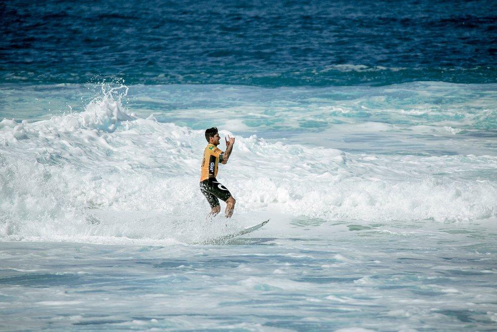 Travel Surf and Travel Lifestyle Photographer Kelee Bovelle @keleeb - Billabong Pipe Masters 2018 North Shore Oahu Hawaii_0019.jpg