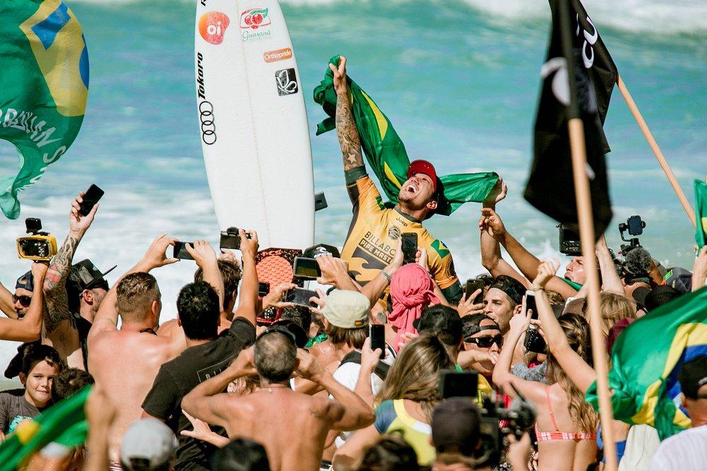 Travel Surf and Travel Lifestyle Photographer Kelee Bovelle @keleeb - Billabong Pipe Masters 2018 North Shore Oahu Hawaii_0020.jpg