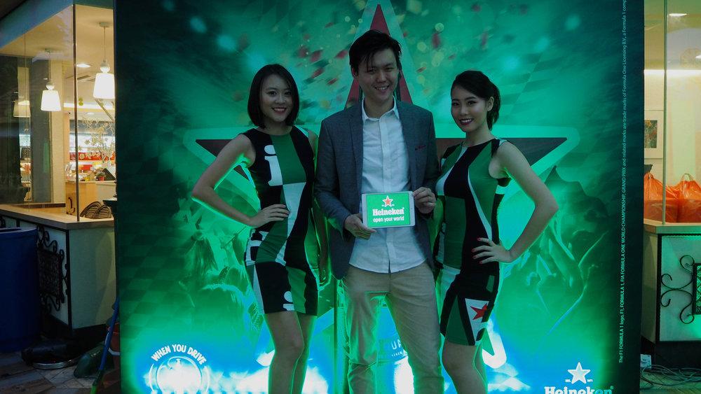 Alexander Yuen Magician International Asia iPad Magic
