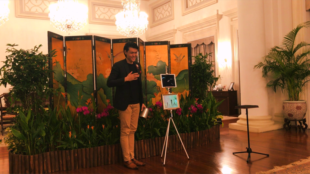 iPad Magic at the Istana