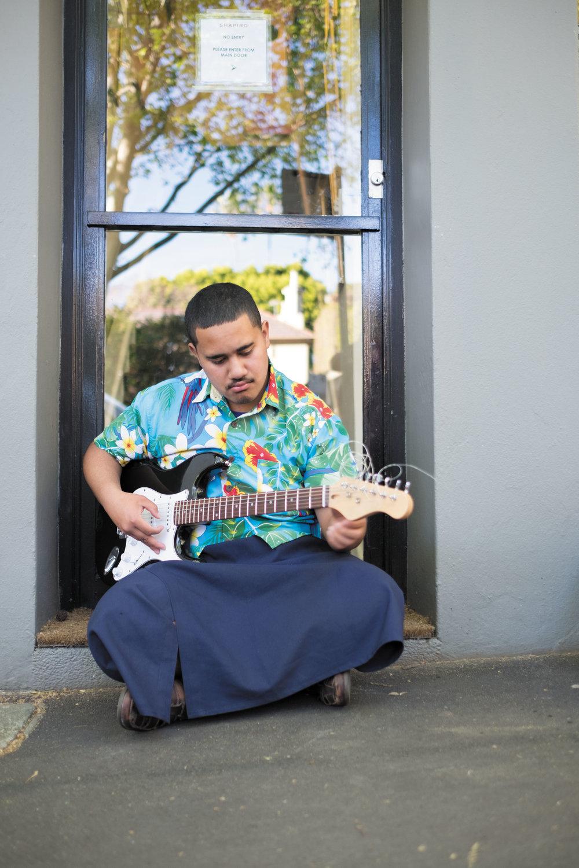 tuning guitar 2.jpg