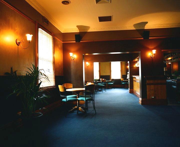 10900-upstairs-lounge-room.jpg