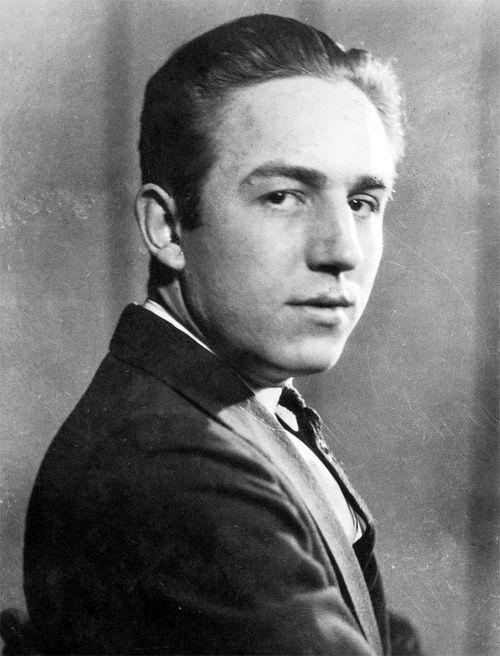 A teenage Walt Disney