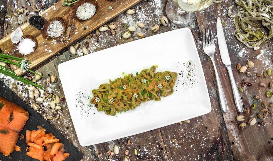 Tagliatelle al Pistacchio e Salmone  ( photo by Alessandro Arcangeli)