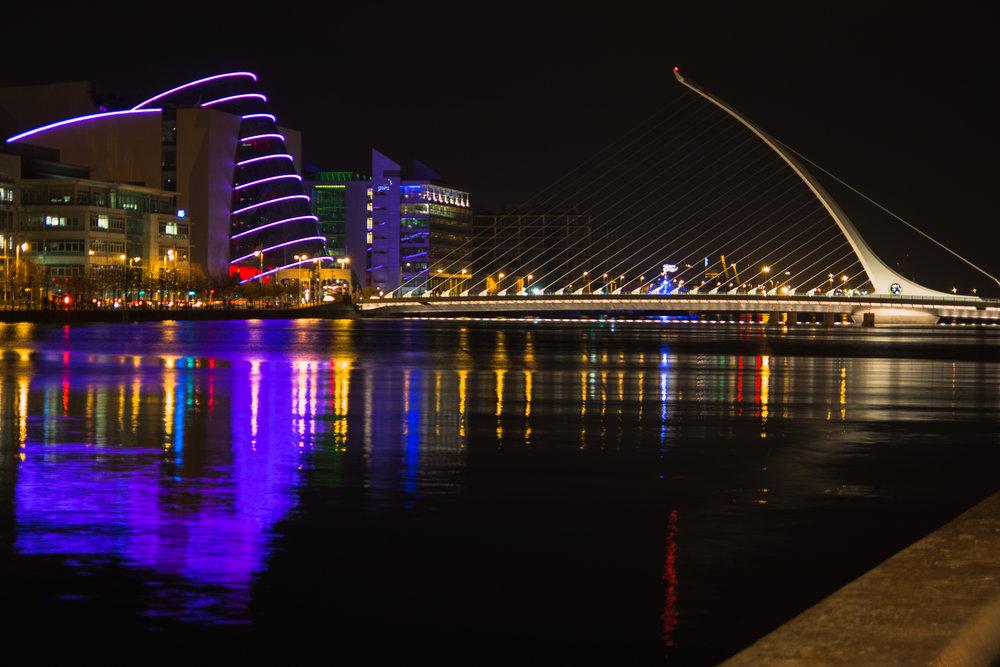 DUBLIN - Bustling City Life