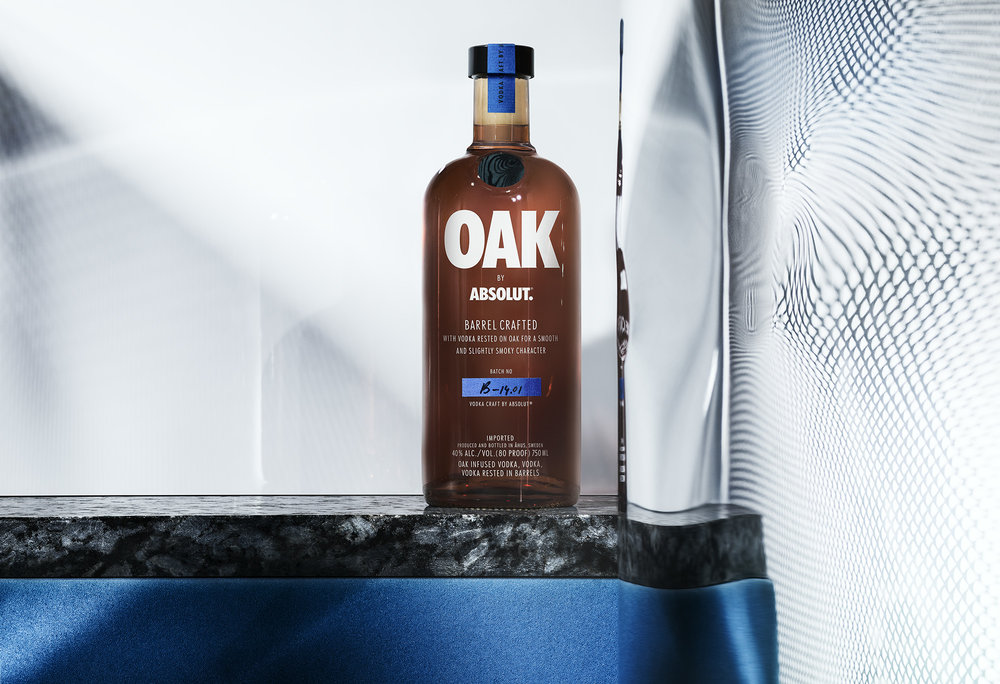 How can Absolut compete with the most sold drink in the world, rom/wisky and coke? Enter Absolut Oak, barrel crafter vodka form Sweden.