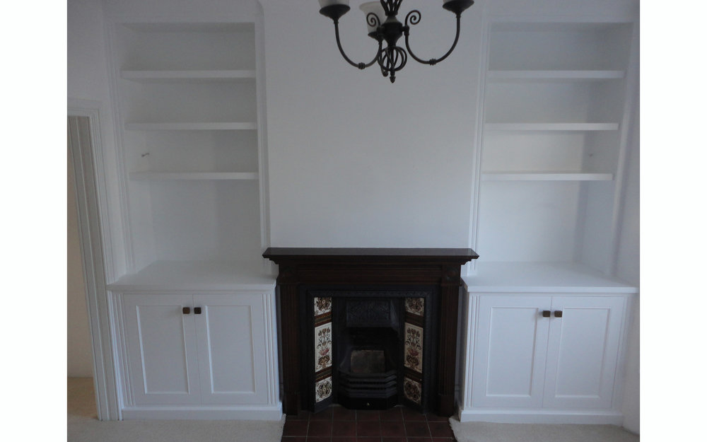 Alcoves with wide mantelpiece
