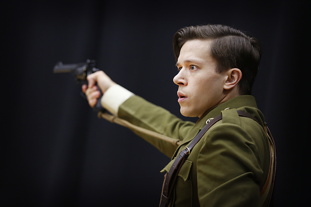 As Second Lieutenant Thomas Dixon-Wright in WIPERS