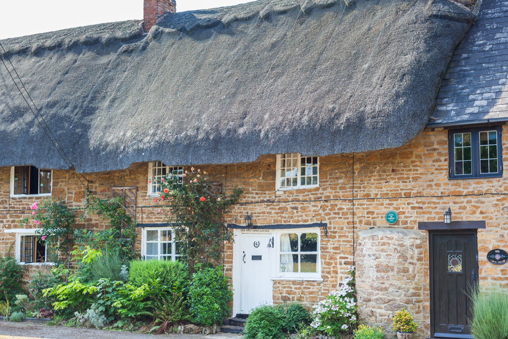 Pictures of the local village can also help seal the deal. Pretty thatched cottages in the local village of Chipping Warden