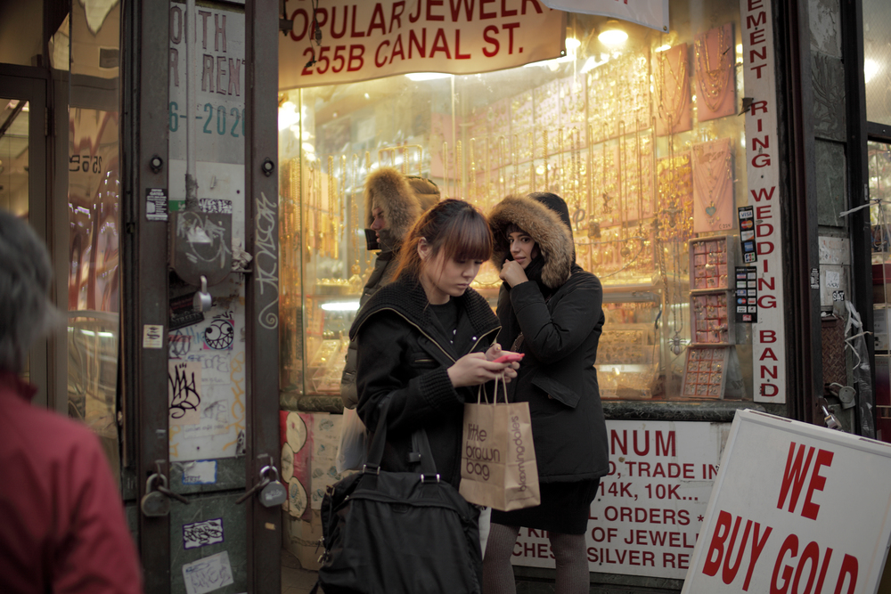 (Canon 5D Mark II + Zeiss Distagon T* 1,4/35 ZE) - One of my favorite places for street photography, Chinatown NYC