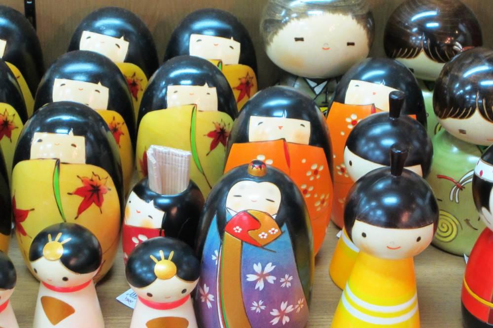 boutique-usaburo-kokeshi